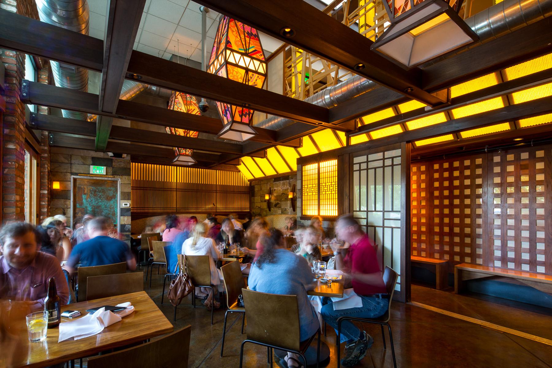 Sushi Den dining room 1800