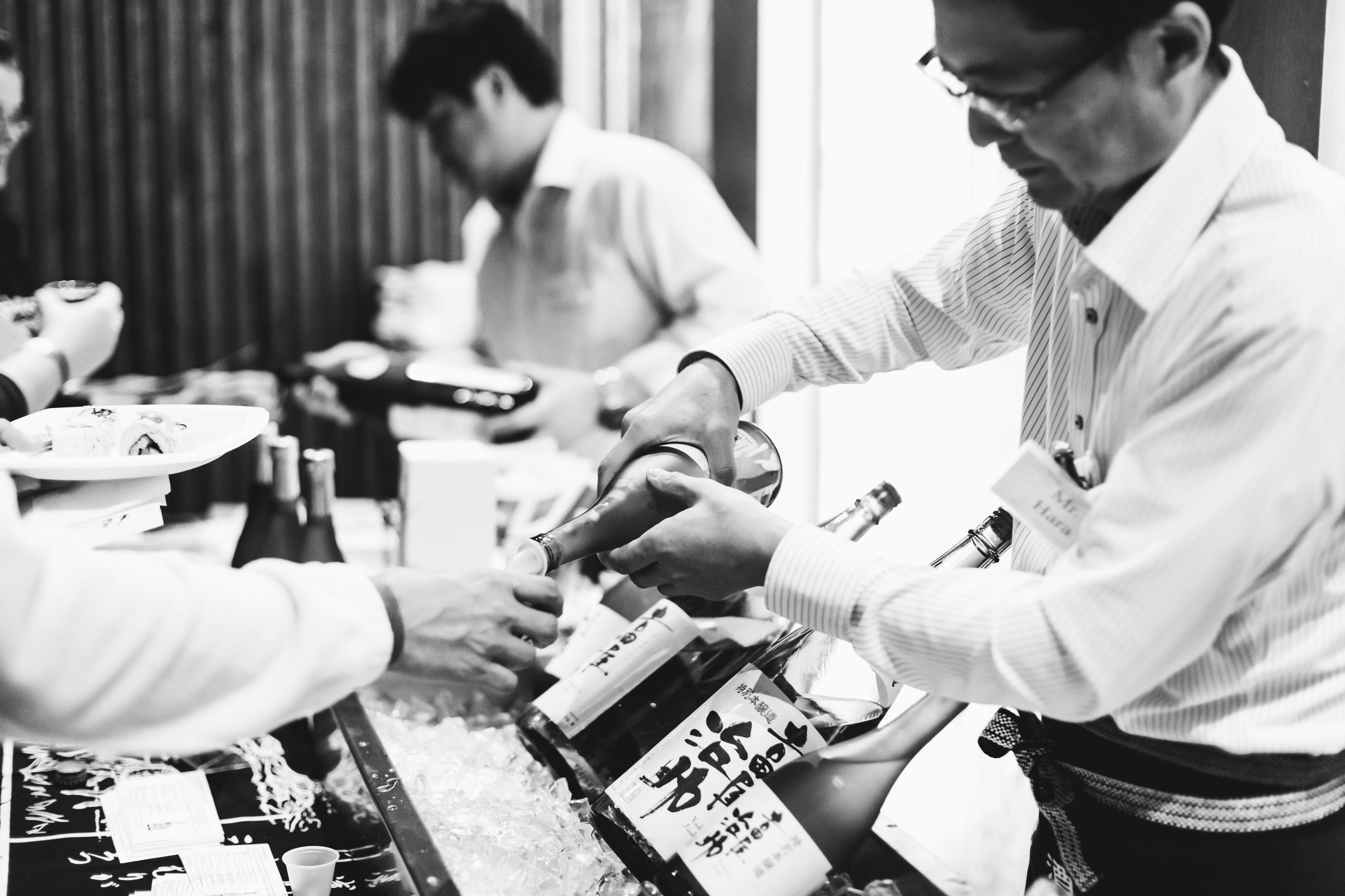 Sushi Den B&W-6102