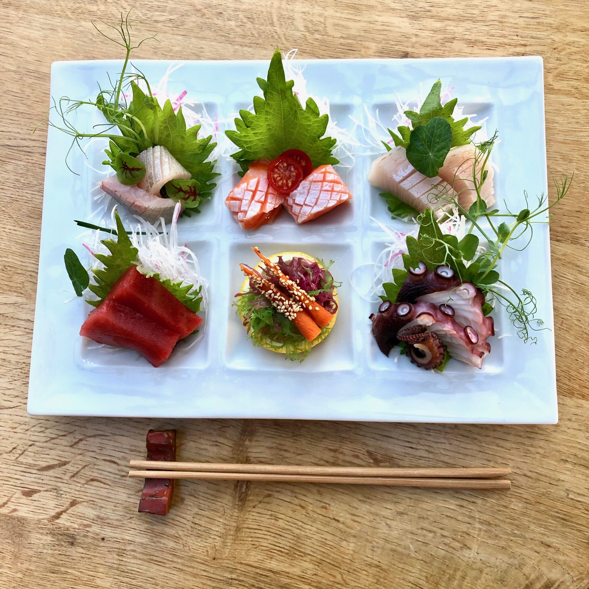 Sushi-Den-Sashimi-Lunch-2048×2048